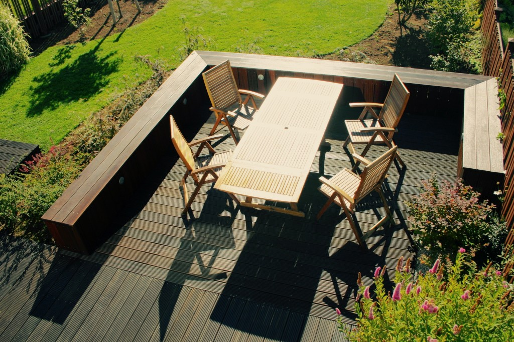 Deck with fixed seating
