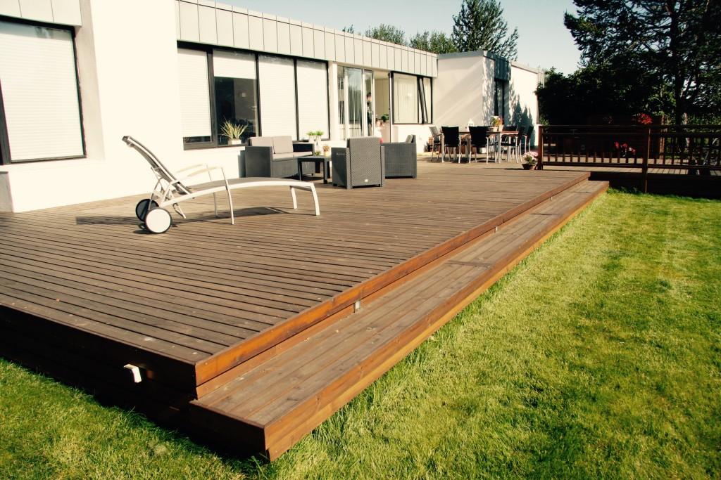Lawn and deck connection