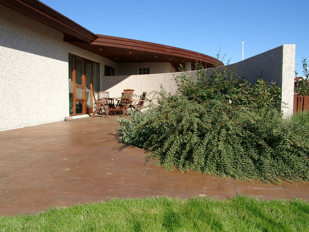 Rounded patio forms